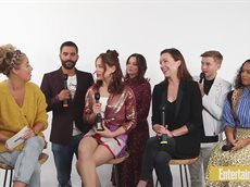 Lost In Space's Parker Posey, Taylor Russell _& More On New Season ¦ #NYCC19 ¦ Entertainment Weekly